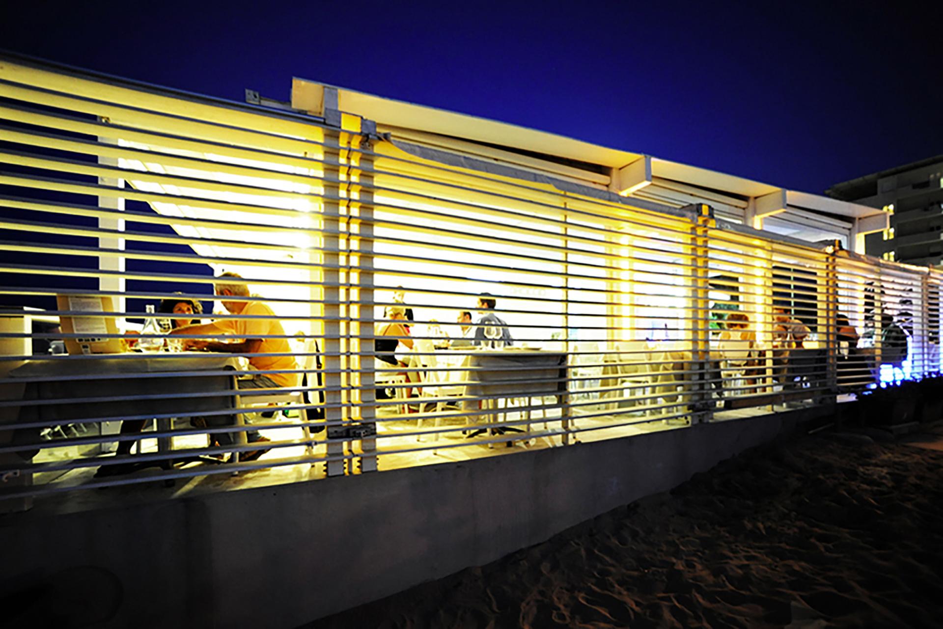 ristorante da ciccio. sala esterna in nottura