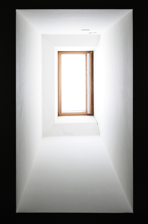 casa LC MGM. il pozzo di luce nel bagno secondario.
