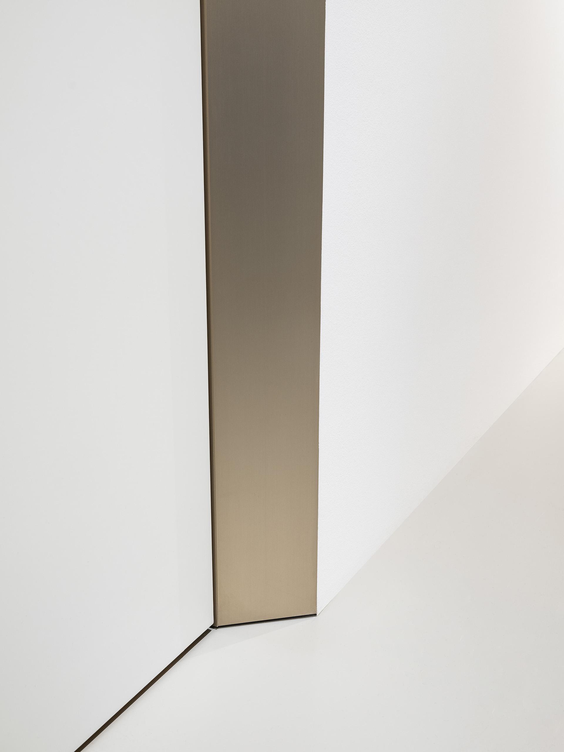 eclisse40 Collection - vista dello showroom di Milano in via delle Armi 2 - particolare in basso