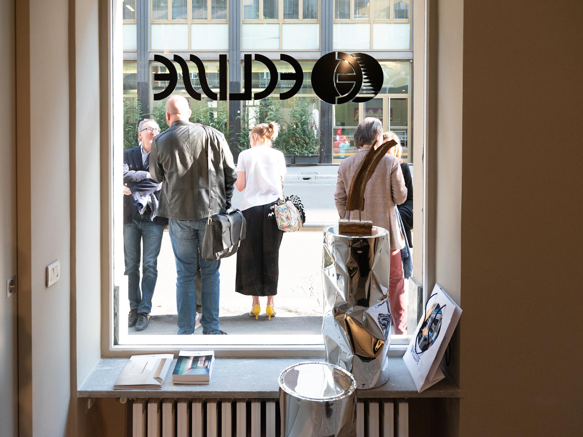 Press Day - via Molino delle Armi 2A Milano - lancio eclisse 40 collection. La vetrina